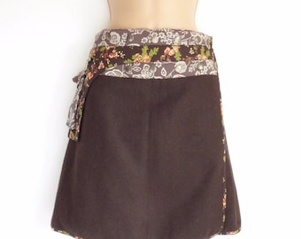 Women's Vintage Wrap Around A-line Knee Length Brown Tweed Wool Skirt Size UK10 - UK14 / Waist 28 in - 36 in