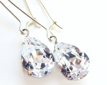 Clear teardrop crystal earrings - bridal earrings - bridesmaid earrings - diamond clear earrings - Swarovski crystal