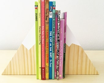 Natural wood mountain bookends (small set), wood bookends, mountain decor, kids bookends, nursery bookends, mountain nursery, woodland theme