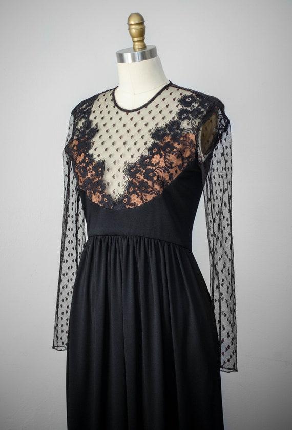 Elegant Black Lace Sleeves Dress