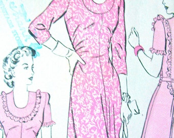 Early 1940s Advance 3722 Dress Vintage Sewing Pattern  Bust 30 inches