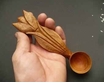 Tulip for scoop in plum wood, wooden spoon, wood spoon,  rustic spoon, traditional spoon, hand-carved scoop, wood scoop, coffee or tea scoop