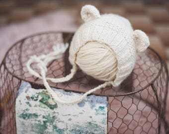 Baby Bear bonnet for NEWBORNS photography prop - Natural