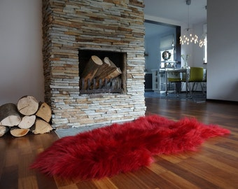 SHEEPSKIN RED XXL Throw Genuine leather Sheep Skin  Decorative rug green comfy, cozy, hair is very thick, shiny !