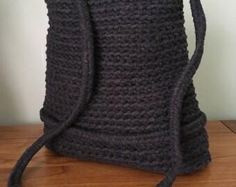 Handmade crochet bag with leather base