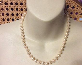 Liz Claiborne faux pearls collar necklace.