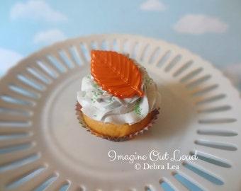 Fake Cupcake Fall Autumn Thanksgiving Leaf Faux Dessert Decoration Kitchen Decor