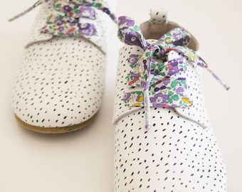 LIBERTY PRINT SHOELACES in adult and children's sizes - Betsy Ann A (purple)