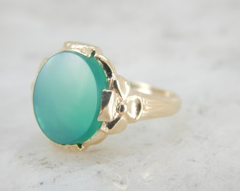 Smooth Spring Green Onyx Ring with Floral Mounting MMLM3V-N