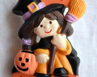 Vintage Halloween Pin Brooch - Smiling Witch with Jack O Lantern