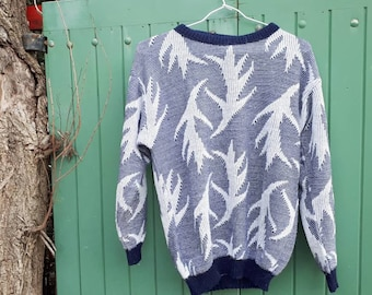 Vintage 1980's patterned sweater blue.