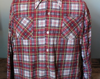 Vintage 60's Button up Flannel Shirt | Size Large