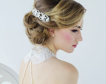 Ivory bridal hair comb.  Clear cz crystals and ivory pearls plated in real silver