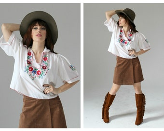 Mexican Embroidered Blouse- Oaxaca, Crop Top, Boho Chic, Hippie Top, 70s Festival, Multicolor Collar