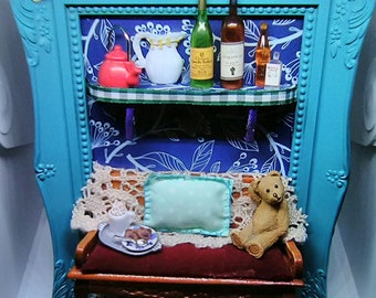 Room box frame with miniature teddy miniatures dollhouse dollshouse diorama living room sofa picture art