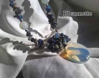 Sodalite Royal Blue Necklace, Stone Necklace, Single Strand Necklace, Gemstone Necklace, Rainbow moonstone pendant, Long necklace