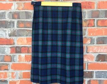 VTG Pendleton Women's 100% Wool Green Red & Blue Plaid Calf Length Skirt - 16