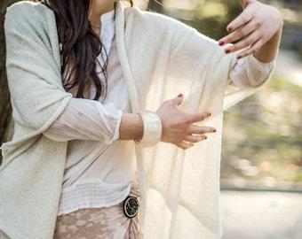 White bracelet minimal bangle, resin bangle easy to wear smooth shiny bangle gentle jewelry bracelet