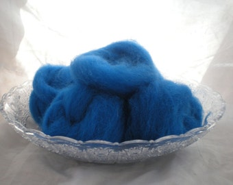 Hand Combed Alpaca Top sapphire blue Hand Dyed Roving 2 oz.