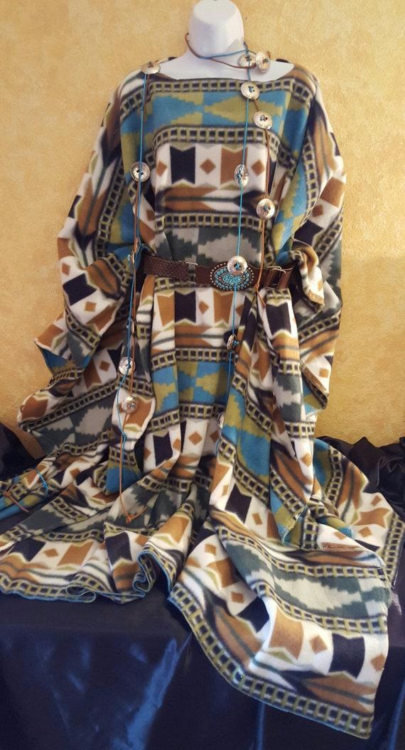 With amp; Conchos Maxi Set Inspired Fleece Camel White Poncho Southwestern Belt Green Coat Turquoise Native American Ozfq7fP