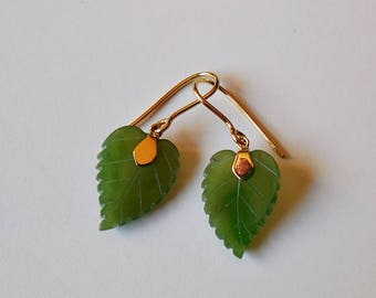 18K solid Gold and Jade Nephrite earrings