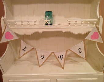 Love Burlap Bunting Banner READY TO SHIP, Wedding Bunting Banner, Photo Prop Bunting Banner,  Black Lettering with Pink Hearts