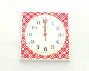 Vintage Wall Clock, From Germany 70s, Wall clock plastic, Red modern pattern, Wall Hanging Red Clock
