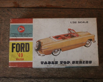 Pyro 1949 Ford Ragtop Table Top Series 1/32 scale Model - NIB - MINT
