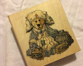 Clara...the Nurse The Boyds Collection Rubber Stamp / Boyds Bears / Scrapbooking / Card Making
