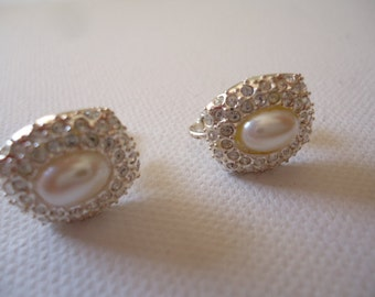 Hot Alluring Napier ScrewBack Earrings, Vintage Napier Faux Pearl ScrewBacks, Wedding Jewelry, Mother's Day Jewelry