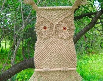 "Macrame Wall Hanging ""Owl  Fomka"", knotted of jute cord - MADE TO ORDER"