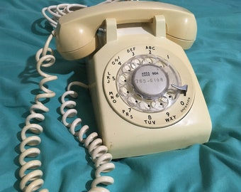 Vintage Mid-Century Western Electric Cream Rotary Phone w/Bell System