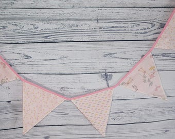 Garland pennants collection kisses pink