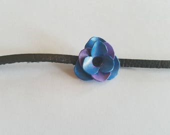 thin rose choker