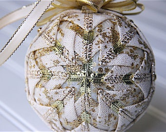 Quilted Ornament Ball/Cream and Gold - Snow Drift
