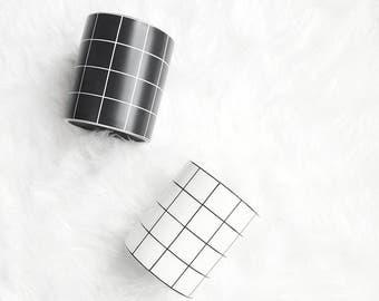 Grid ceramic vessel