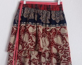 "Printed multi-tailles, 3 meters of ruffles wrap skirt ""batik"" wrapped around the waist, fits all"