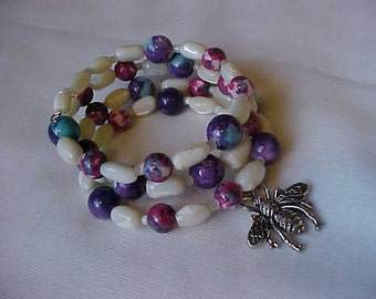 WRAP BRACELET w/Dyed JADE Beads & Vintage Mother of Pearl Beads~~Silver-Tone Honey Bee Charm~Memory Wire Bracelet