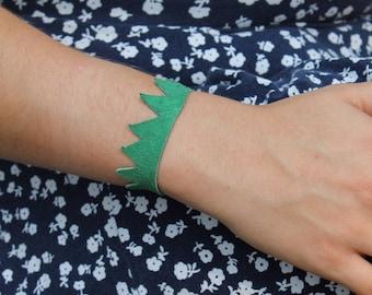 Green Leather Snap Bracelet