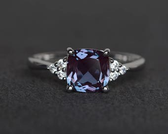 cushion cut lab alexandrite ring gemstone ring sterling silver color changing wedding ring birthstone ring