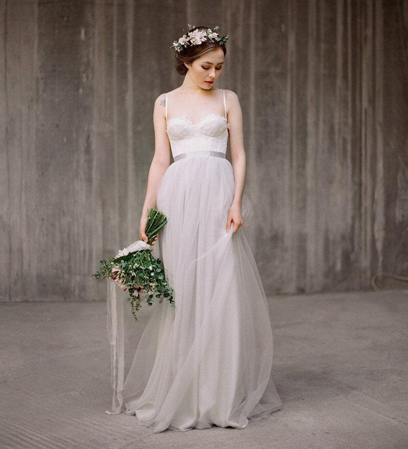 Description This Boho Wedding Dress