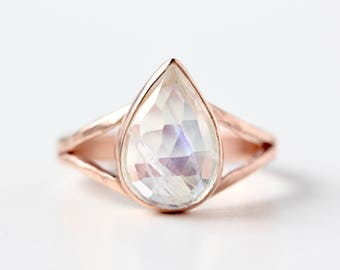 Rainbow Moonstone Ring in 14k Rose Gold - Pear Shaped Moonstone Ring - Unique Statement Ring - Blue Flashy Gemstone