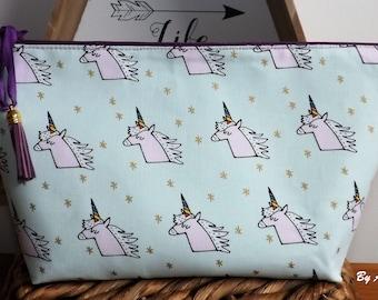Toiletry bag unicorns!