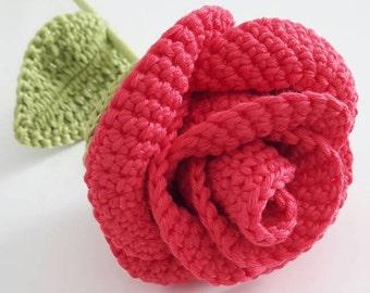 Rose rouge au crochet décorative, fleur au crochet pour la fête des mères, cadeau amoureuse ou anniversaire, fleur en coton pour déco maison
