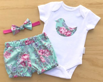 Baby girl outfit, Girls clothing set, Baby girl clothing, Girls bird bodysuit,Coming home gift, Girls floral outfit, Rose print baby set