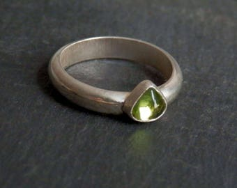 Peridot ring / silver and peridot ring / peridot jewelry / apple green / August birthstone / custom peridot / ready to ship / gift