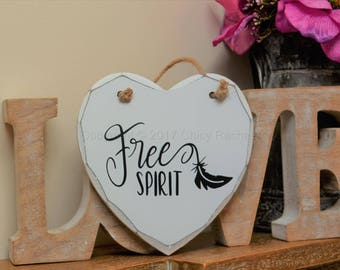 "Handmade ""Free Spirit"" Painted Wooden Hanging Heart Plaque Inspirational Quote"