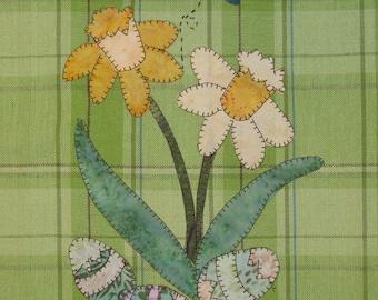 Spring Daffodils Applique PDF Pattern for Tea Towel