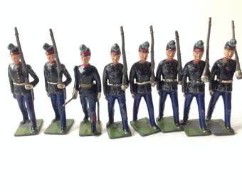 Britains Lead Toy Soldiers Set # 2051 Uruguay Military Cadets Post War 8 Pieces Unboxed