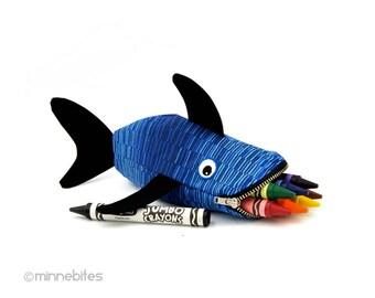 Trousse de voyage bébé requin - cadeau mignon pour les enfants - requin pochette - poisson bleu - enfant - Kids Toy sac - cadeau d'anniversaire - goûter - prêt à expédier